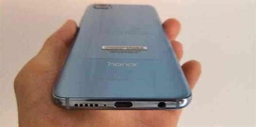 Huawei já vendeu 3 milhões de unidades Honor 10 em todo o mundo image